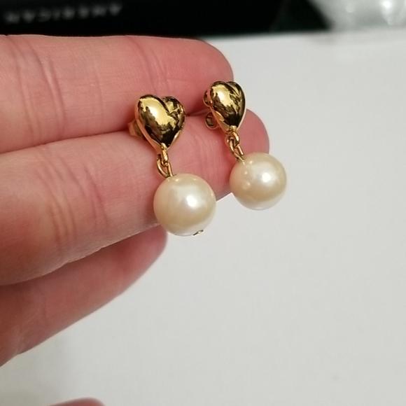vintage 80s gold heart dangle clip on earrings heart earrings vintage style earrings gold earrings vintage earrings